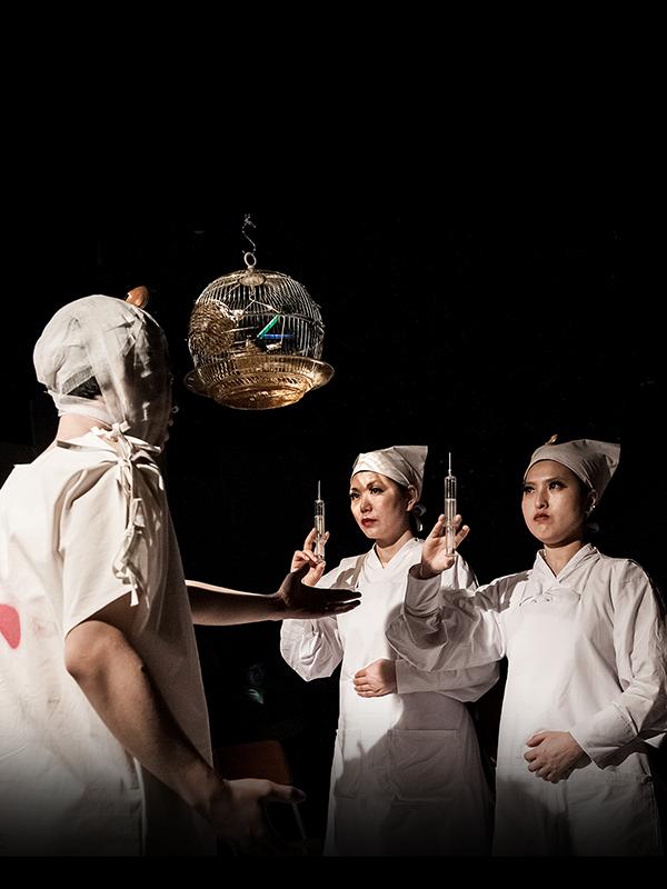연극 두뇌수술 | 뇌를 바꾸다니, 벌써 참신한걸요?